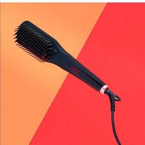 Amika Straightening Brush